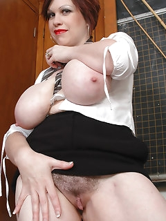 Hot BBW and Sexy Naked Plumpers
