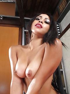 Gorgeous Asian Naked Babes
